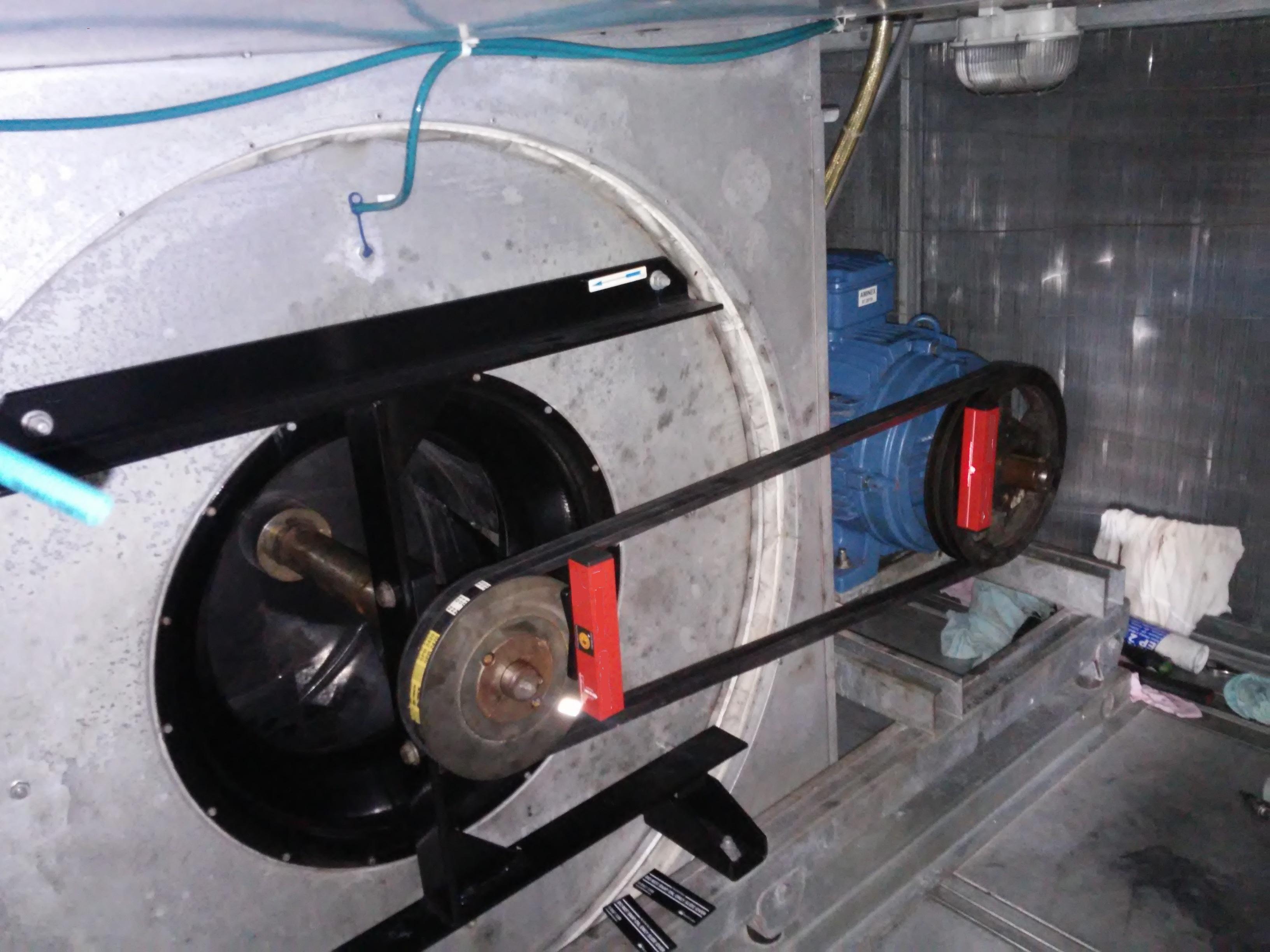 Laserowe osiowanie wentylatora z napędem pasowym Animex